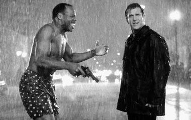 Danny Glover y Mel Gibson, en Arma Mortal