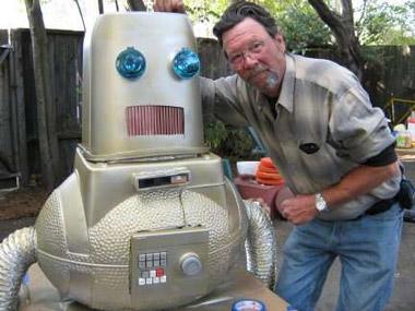 Cómo hacer un traje cubre y chaborro de robot