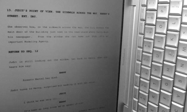 Un buen truco para leer guiones en pantalla [tutorial]
