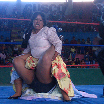 Mamachas del ring, documental sobre la lucha libre femenina en Bolivia [actualizado]