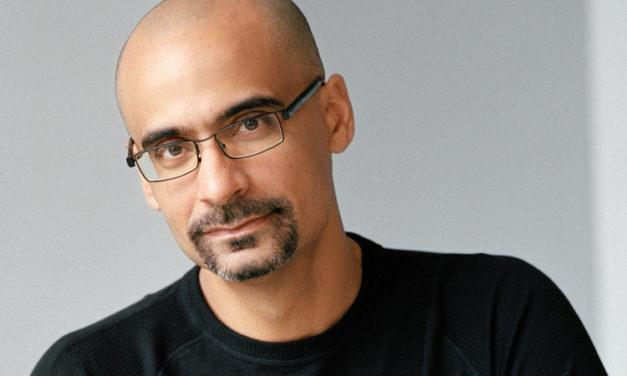 Estados Unidos, un país adicto a la bazofia cultural: Junot Díaz