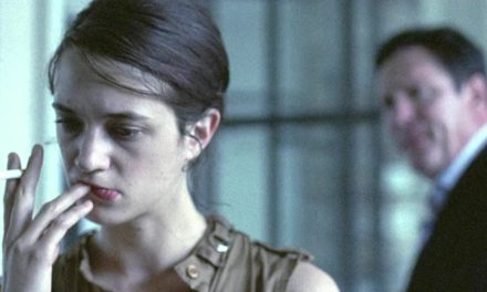 Boarding Gate de Olivier Assayas, sórdido thriller kafkiano
